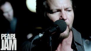 [Video] Sirens – Pearl Jam
